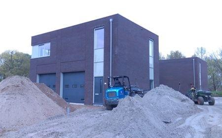 Start van de bouw van twee nieuwe bedrijfsfaciliteiten